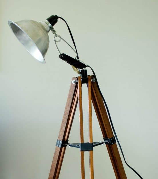 Diy tripod floor lamp savvy apron this diy floor lamp is so easy to make all you need is an old solutioingenieria Image collections