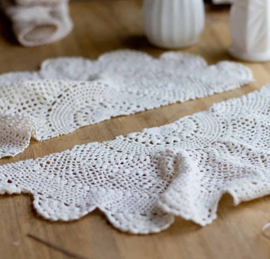 These beautiful vintage doilies made from thrift store doilies are so easy to make.
