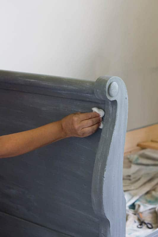 This sleigh bed makeover with chalk mix and paint was a quick and easy way to update a bed, and it is gorgeous!