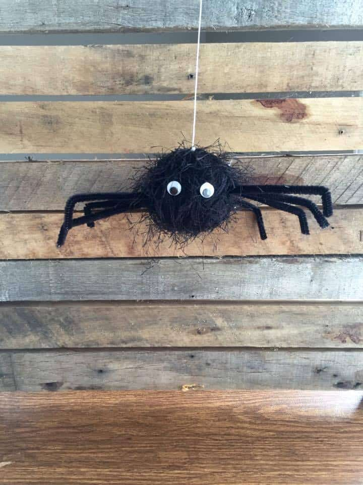 Bouncy Spider Halloween Craft