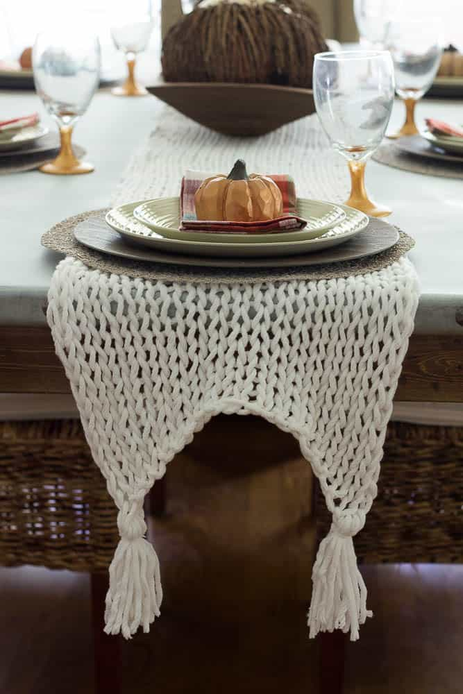Knitted Table Runner Savvy Apron