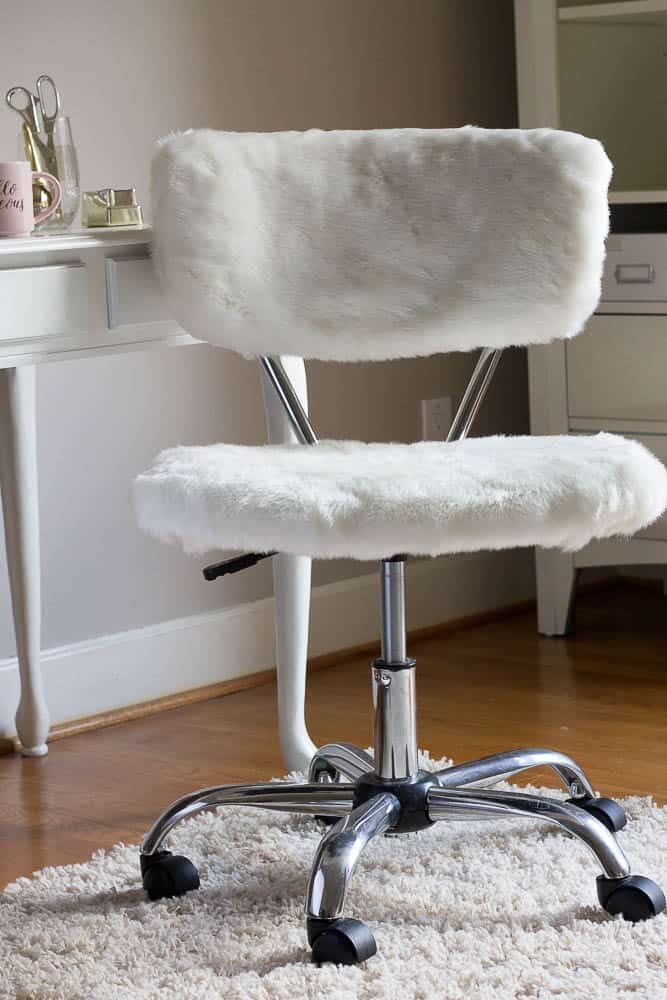 Office Chair Makeover with Fur for Under $5