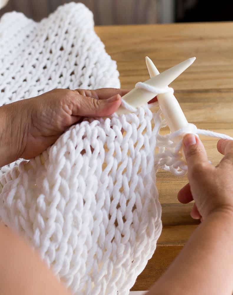 How To Knit A Chunky Pillow For Beginners Savvy Apron