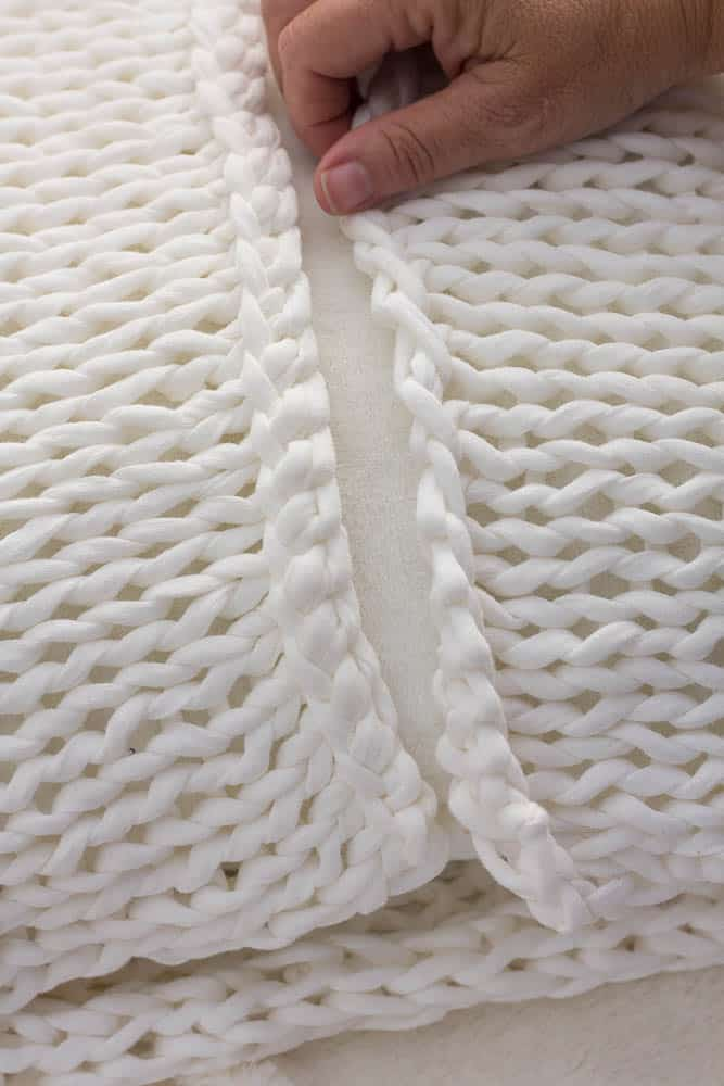 Knitting Pillows For Beginners : How to knit a chunky pillow for beginners savvy apron