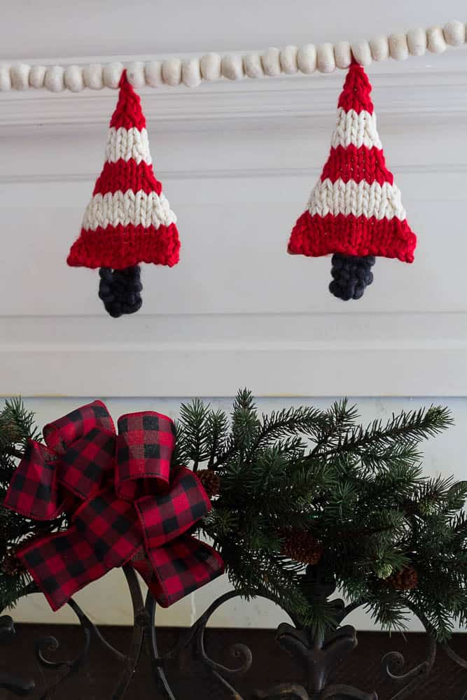 Knitted Christmas Tree Banner | Savvy Apron