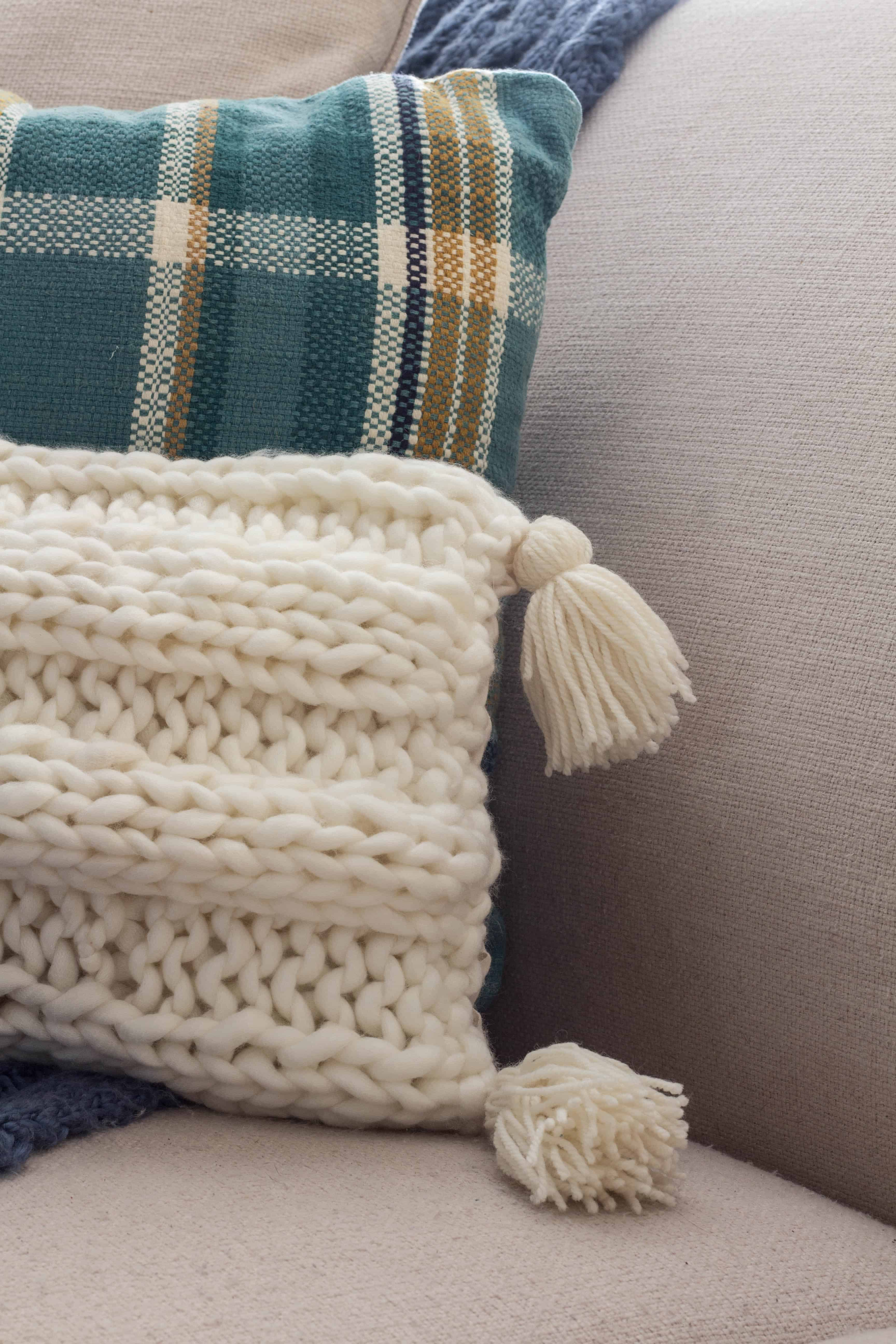 Tassels for the knitted pillow.