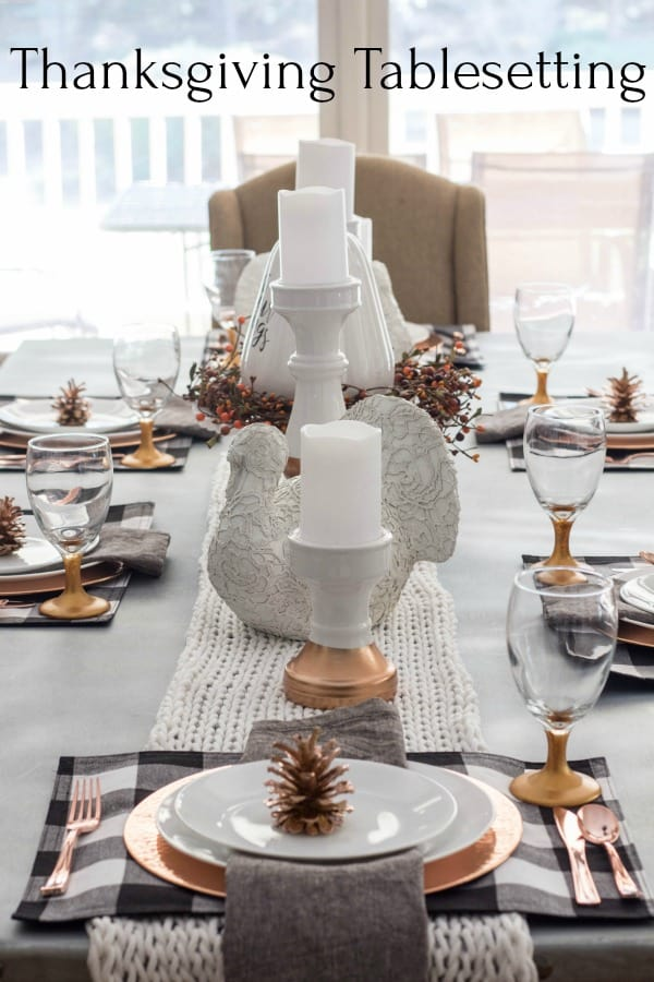 Thanksgiving Tablesetting on table.