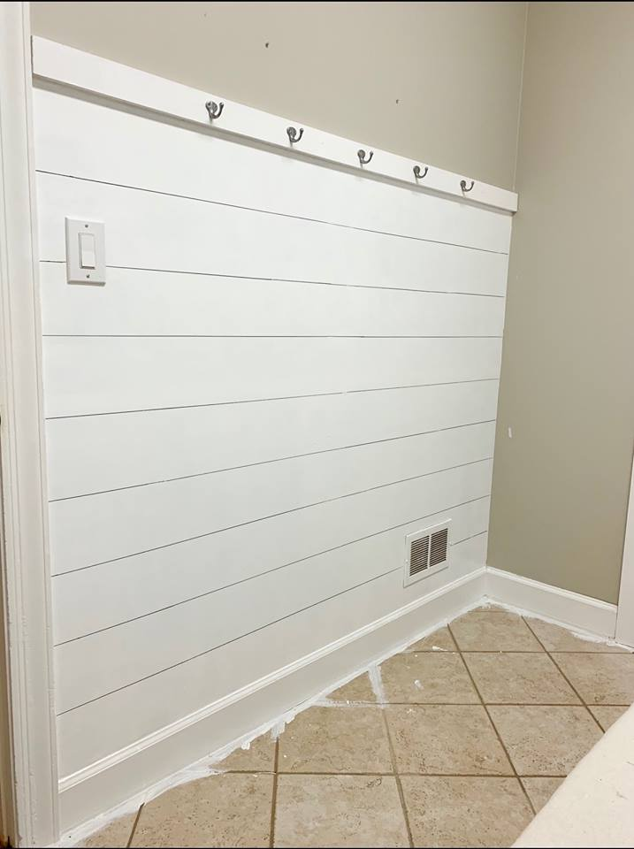 $100 Room Challenge-Faux Shiplap Wall with Hooks - Savvy Apron