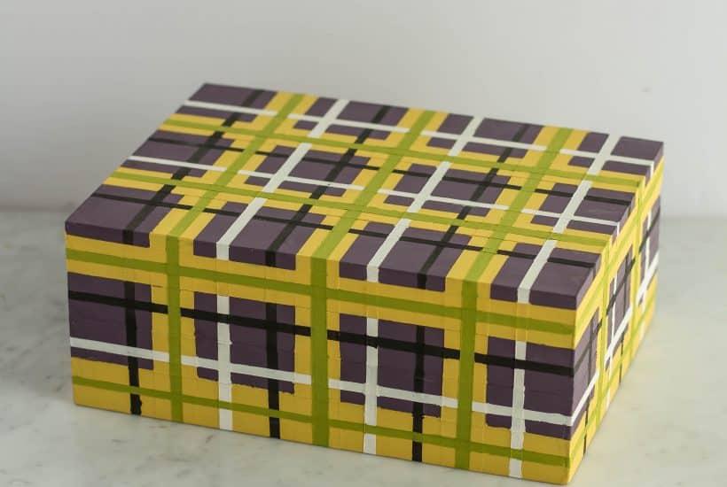 Painting a plaid pattern using Annie Sloan |Chalk Paint