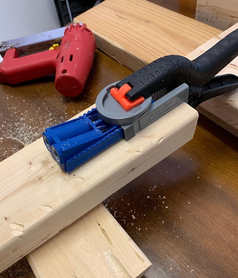 Build a easy diy wood bench using a Kreg Jig.