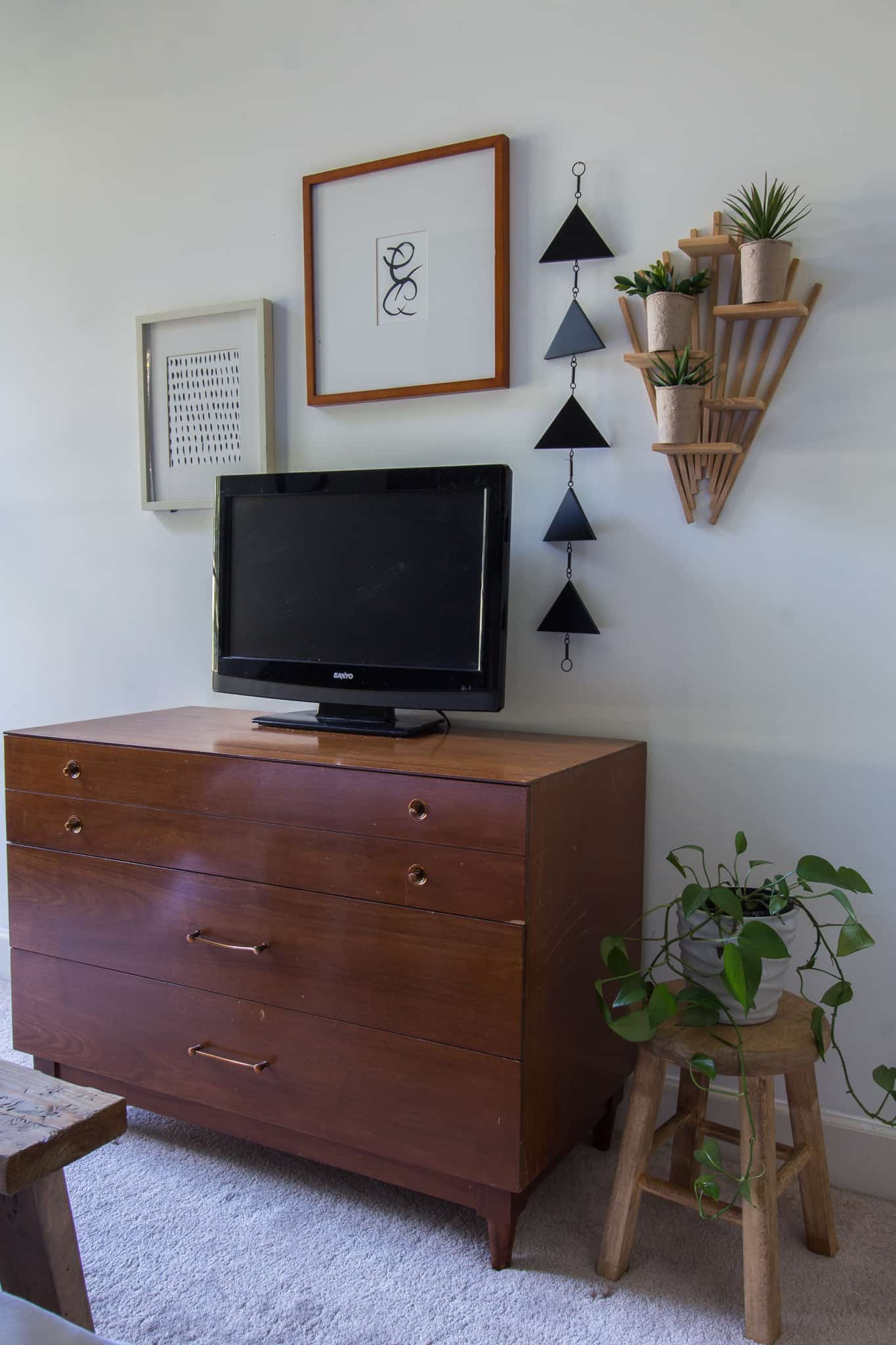 Art for the Bedroom Makeover