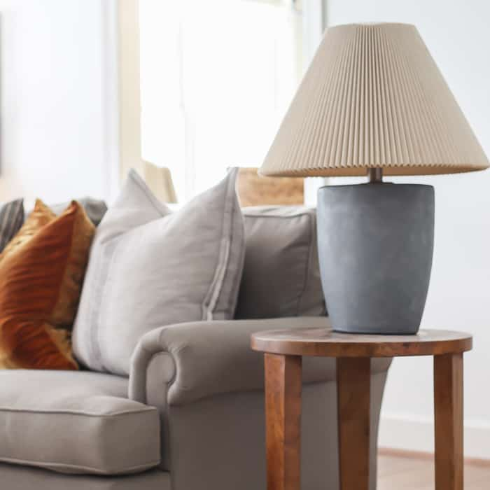 How to make a diy faux concrete lamp with paint