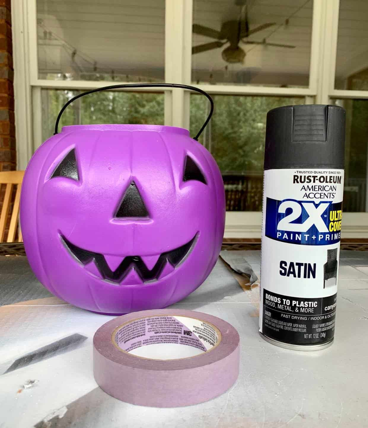Plastic pumpkin to paint