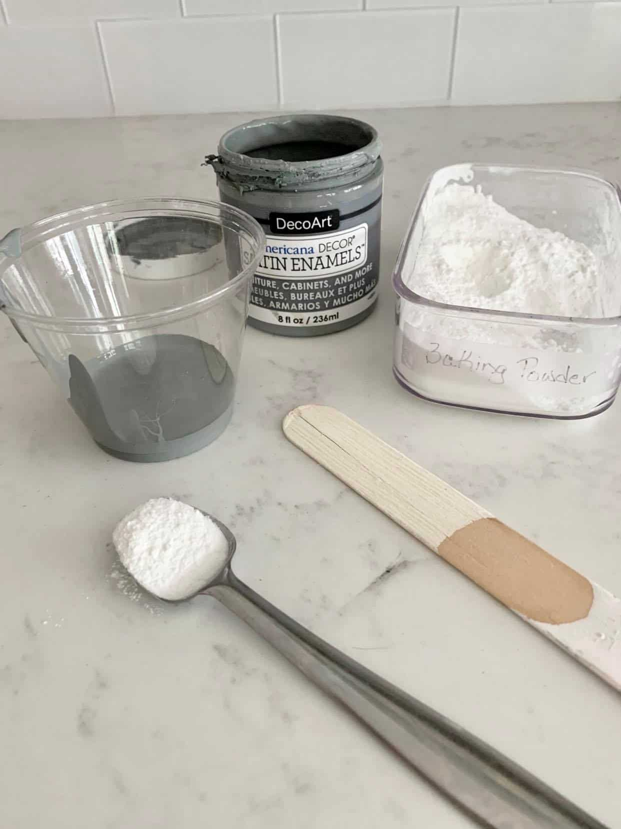 Mix baking powder with paint