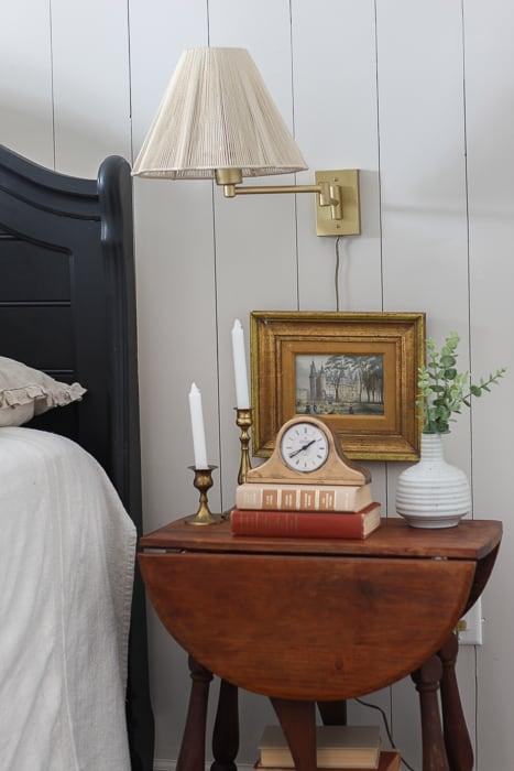 $100 Vintage Inspired Bedroom