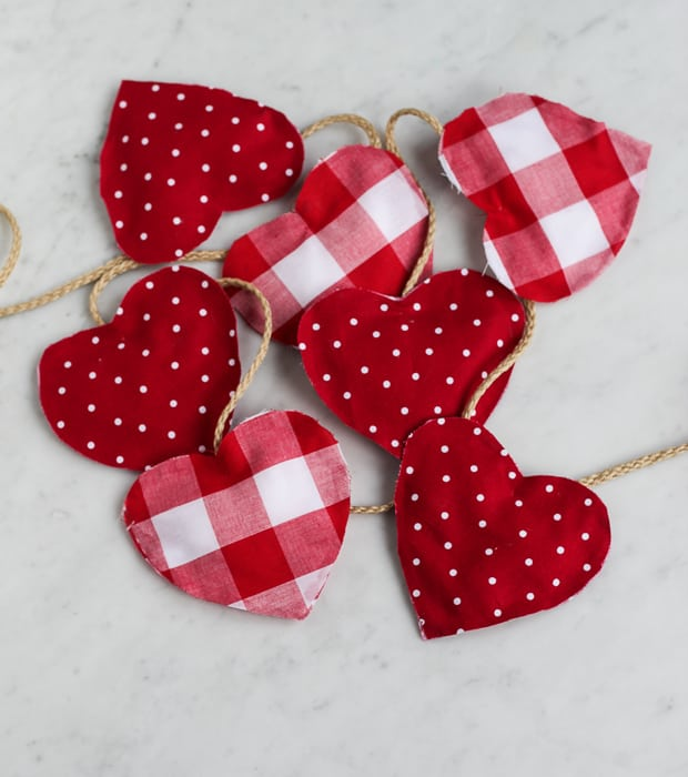 diy valentine heart garland