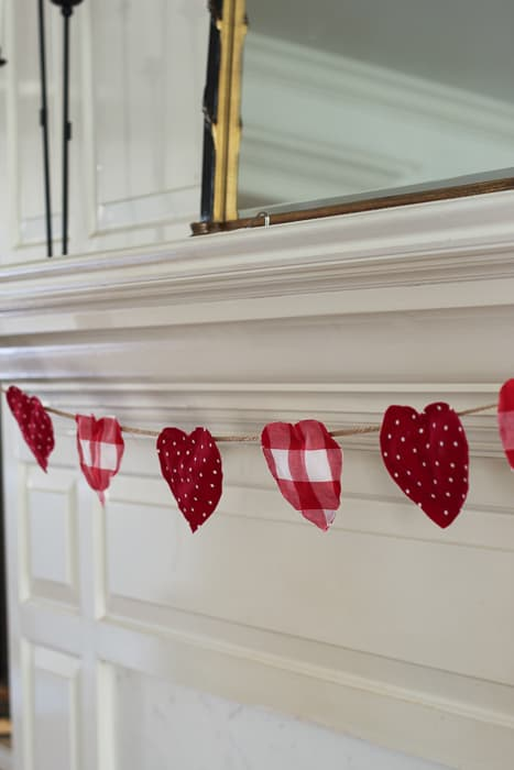 diy no-sew-valentine heart garland