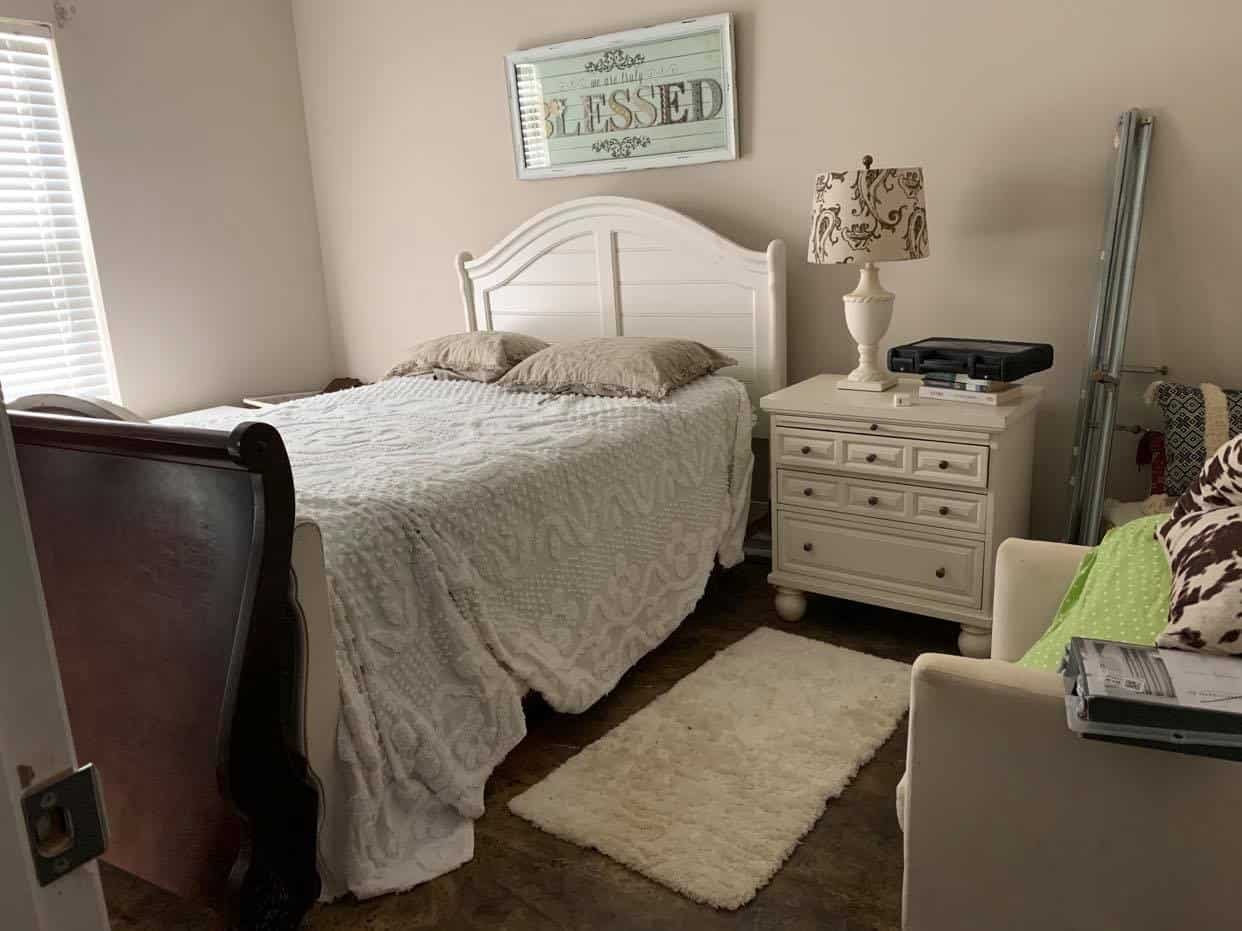 Lake house guest bedroom before challenge