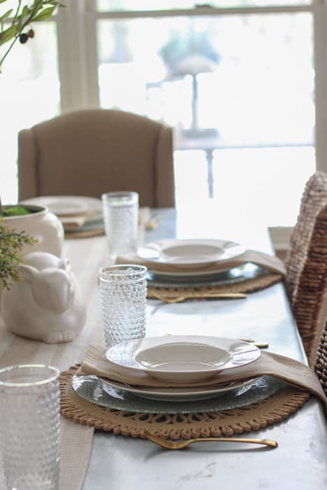 Plates and bowls for the tablescape