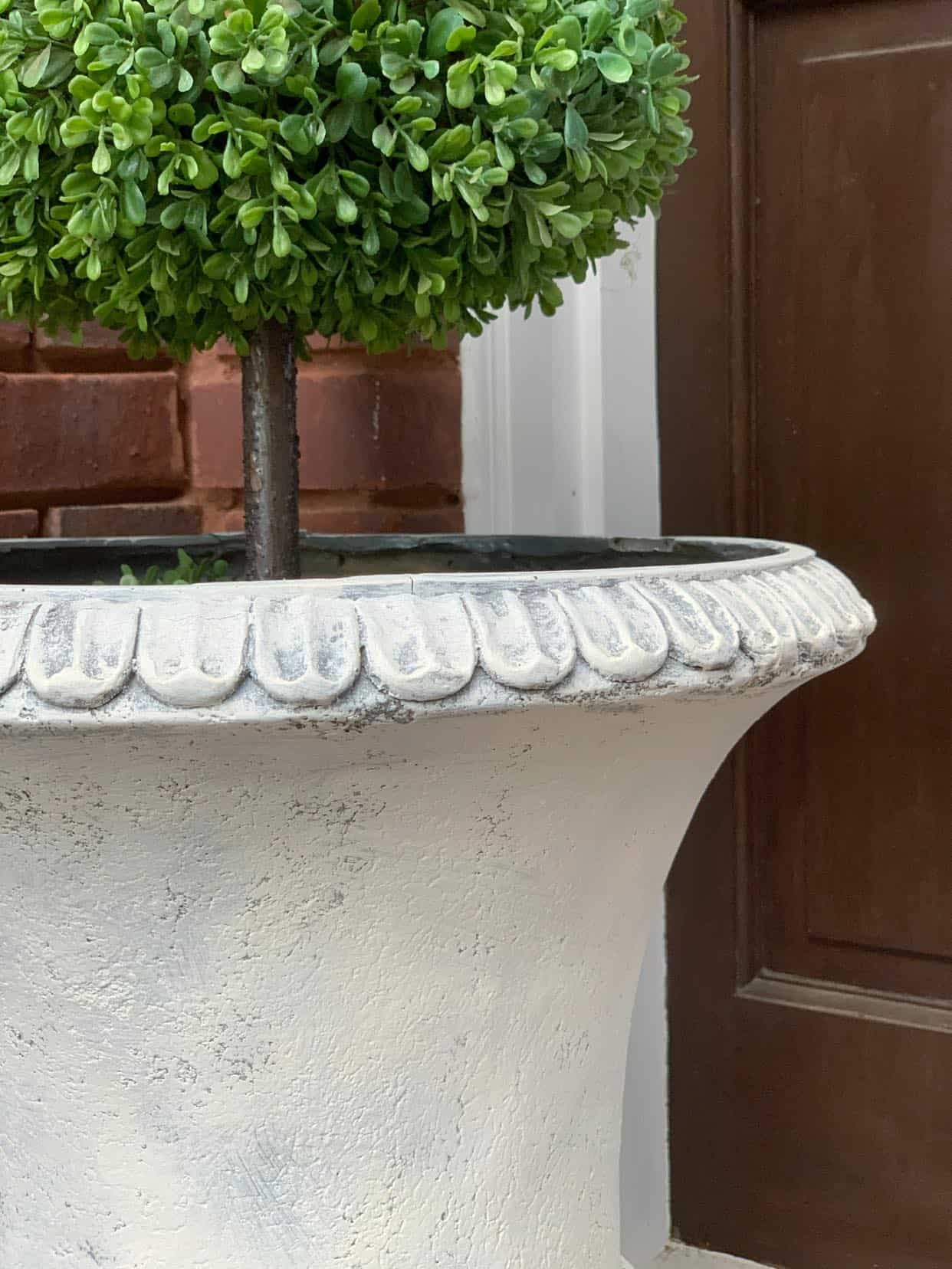 Urns look like aged concrete