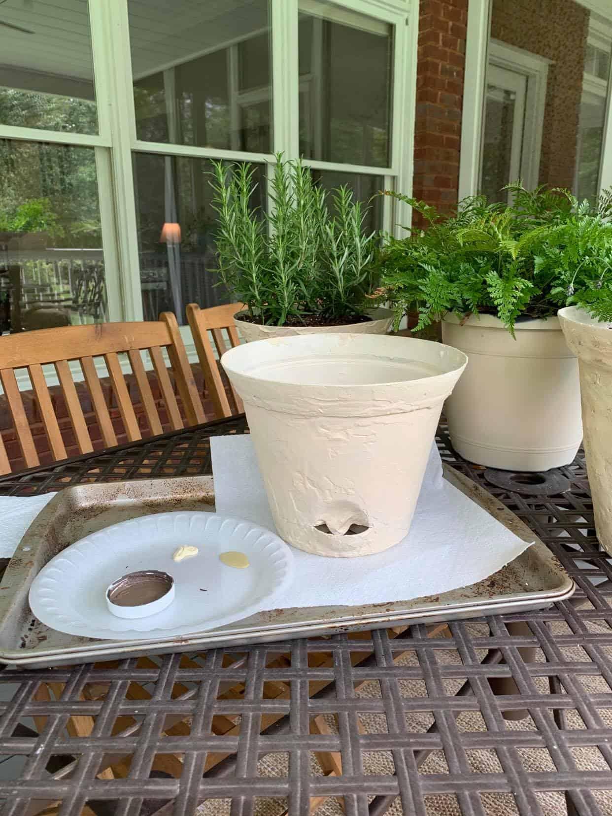 paint the planter pot